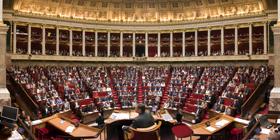 Photo de l'hémicycle lors de la séance d'ouverture de la XIIIe législature (26 juin 2007)